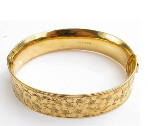 VINTAGE 1/5TH 9CT ROLLED GOLD CHASED FLORAL PATTERNED FRONT HINGED BANGLE -