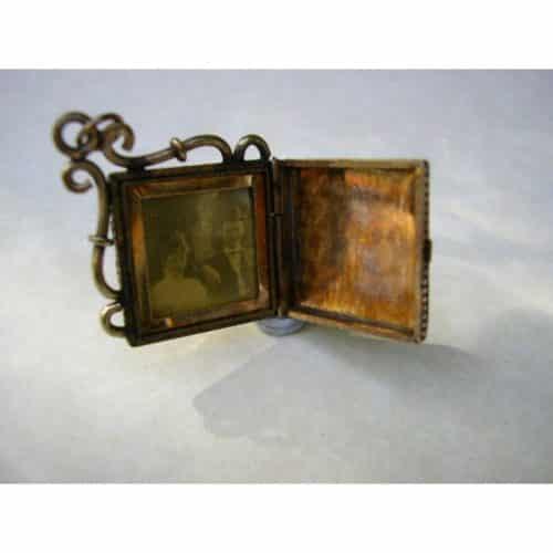 ANTIQUE ROSE GOLD FOB LOCKET C1900'S -
