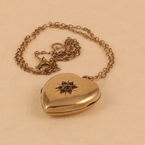 ANTIQUE EDWARDIAN LARGE HEART SHAPED 9CT GOLD & GARNET LOCKET PENDANT C1910 -
