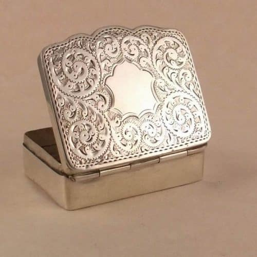 ANTIQUE CHESTER SILVER SNUFF BOX -