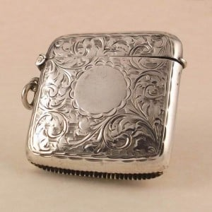 ANTIQUE EDWARDIAN 1904 ENGRAVED SILVER VESTA CASE