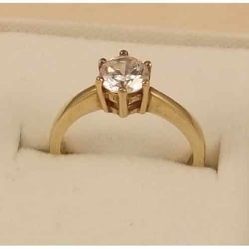 BEAUTIFUL 9CT GOLD ZIRCONIA SET RING WITH QUALITY THICK BAND -