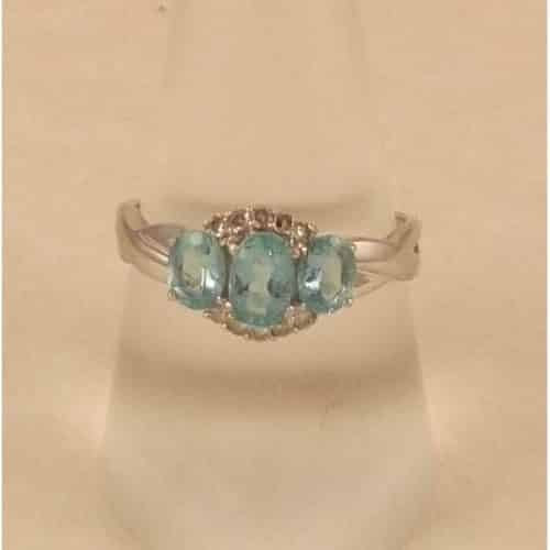 BEAUTIFUL 9CT WHITE GOLD BLUE TOPAZ & DIAMOND SET RING -