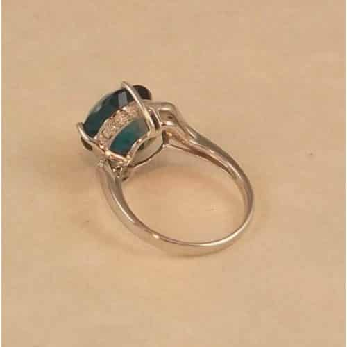 DIAMOND AND LONDON BLUE TOPAZ 9CT WHITE GOLD RING -