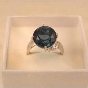 DIAMOND AND LONDON BLUE TOPAZ 9CT WHITE GOLD RING