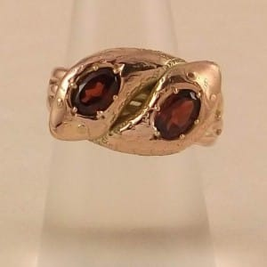 EDWARDIAN 9CT GOLD GARNET SET DOUBLE HEADED SNAKE SERPENT RING