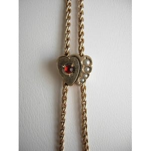 EXCEPTIONAL LADIES LONG WATCH CHAIN WITH DOUBLE HEART SLIDE GARNET PEARLS