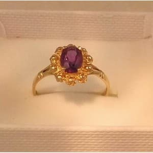 FINE 9CT GOLD 0.75CT OVAL CUT AMETHYST RING