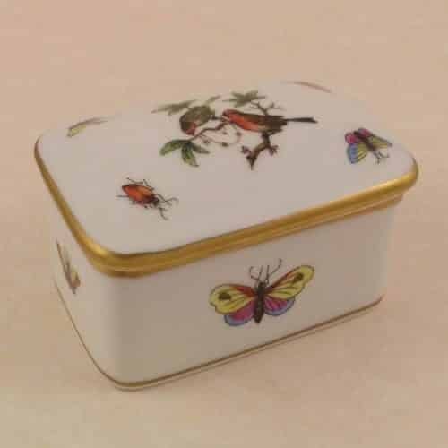 HEREND ROTHSCHILD BIRD COVERED TRINKET BOX -