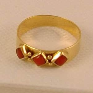 RARE FIND, VINTAGE DUTCH 14K GOLD RING WITH PINK CORAL, MUST