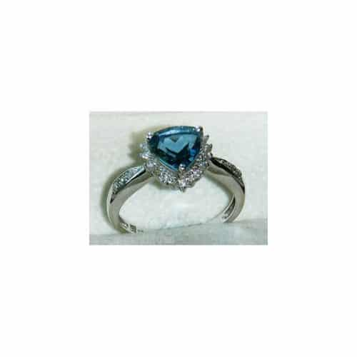 SUPERB 9CT WHITE GOLD BLUE TOPAZ & DIAMOND RING -