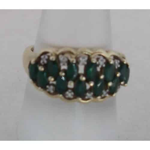 UK HALLMARKED 9CT YELLOW GOLD EMERALD & DIAMOND RING -