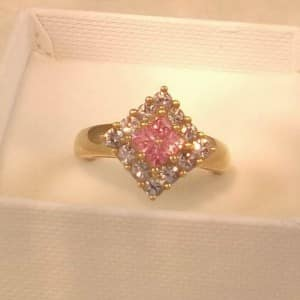 UK HALLMARKED 9CT YELLOW GOLD PINK SAPPHIRE & BLUE TOPAZ RING