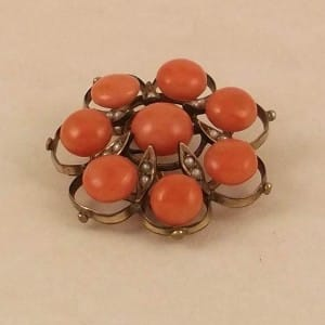 VICTORIAN 9CT SALMON CORAL & SEED PEARL BROOCH -