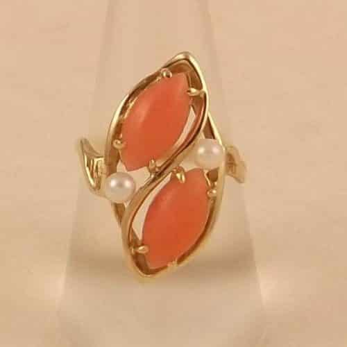 VINTAGE 14K GOLD RING, CORAL WITH 2 PEARLS -