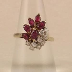 VINTAGE 14KT GENUINE RUBY & DIAMOND COCKTAIL RING