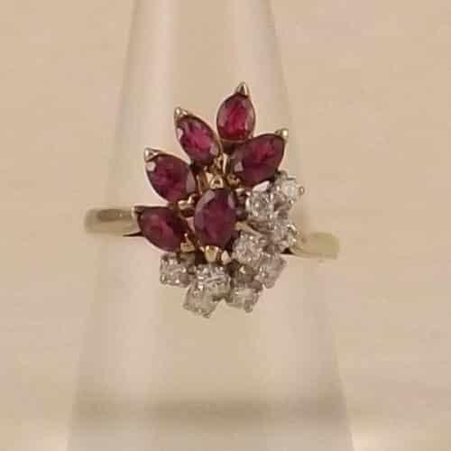 VINTAGE 14KT GENUINE RUBY & DIAMOND COCKTAIL RING -
