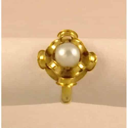 VINTAGE 18CT GOLD AND CULTURED PEARL SET RING -