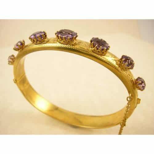 ANTIQUE AMETHYST GOLD BANGLE - CIRCA 1900 -