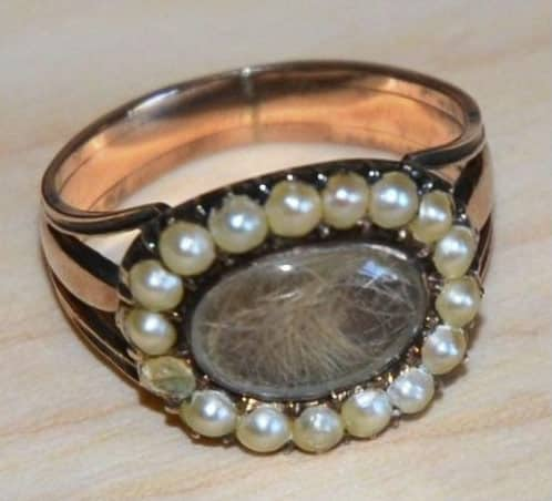 9CT GOLD GEORGIAN/VICTORIAN PEARL MEMORIAL RING 3.70G. -