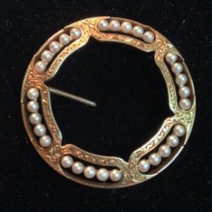 1814-ANTIQUE EDWARDIAN VICTORIAN MOURNING CIRCLE 14 K GOLD PIN BROOCH PEARL