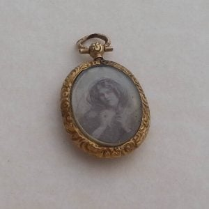 1821a-ANTIQUE C1890 VICTORIAN 9CT GOLD DOUBLE PENDANT LOCKET