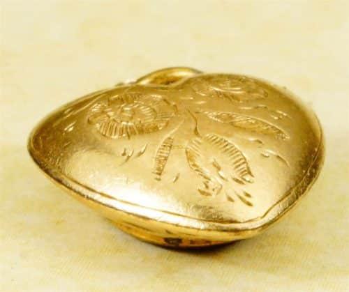 ANTIQUE ENGLISH VICTORIAN 15K GOLD LOCKET BACK HEART PENDANT CHARM C1900 -