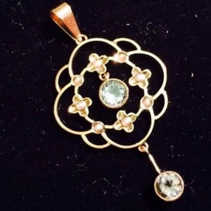 1927A-Carat gold Drop Aquarmarine, peridot and seed pearls Pendent Holbien