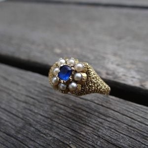 1948-ANTIQUE 15 CT YELLOW GOLD PEARL AND BLUE STONE RING