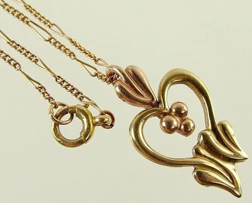 UNUSUAL VINTAGE SOLID 9CT YELLOW & ROSE GOLD SWEETHEART PENDANT WITH CHAIN -