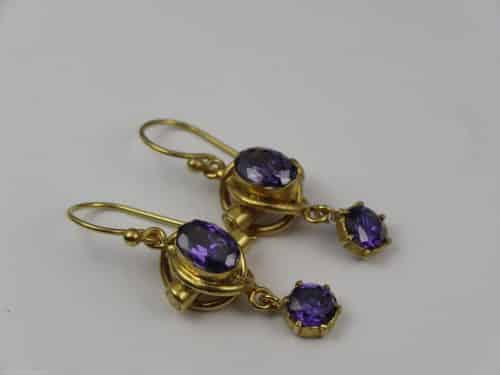 9CT GOLD ANTIQUE AMETHYST EARRINGS -