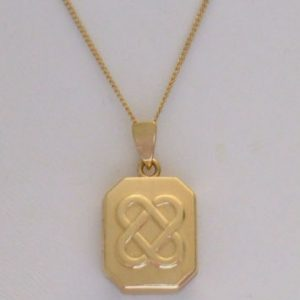1976-VINTAGE IRISH LOCKET 9CT GOLD WITH FULL HALLMARK 375 DUBLIN ASSAY MARK 16 INCH CHAIN